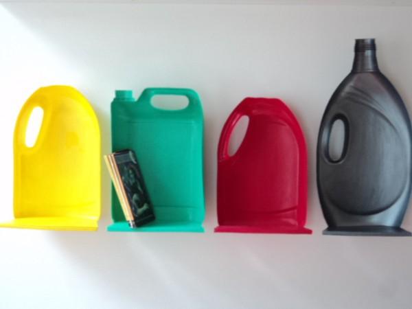 Botellas recicladas hechas estantes trukos - Estanterias para botellas ...